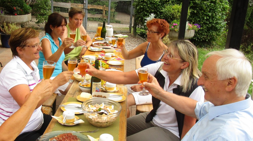 """Tennis + Lunch"" mit Utes Cidre aus der Normandie"